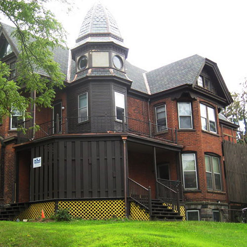 Holland Park Apartments: Holland Management—Ann Arbor, MI